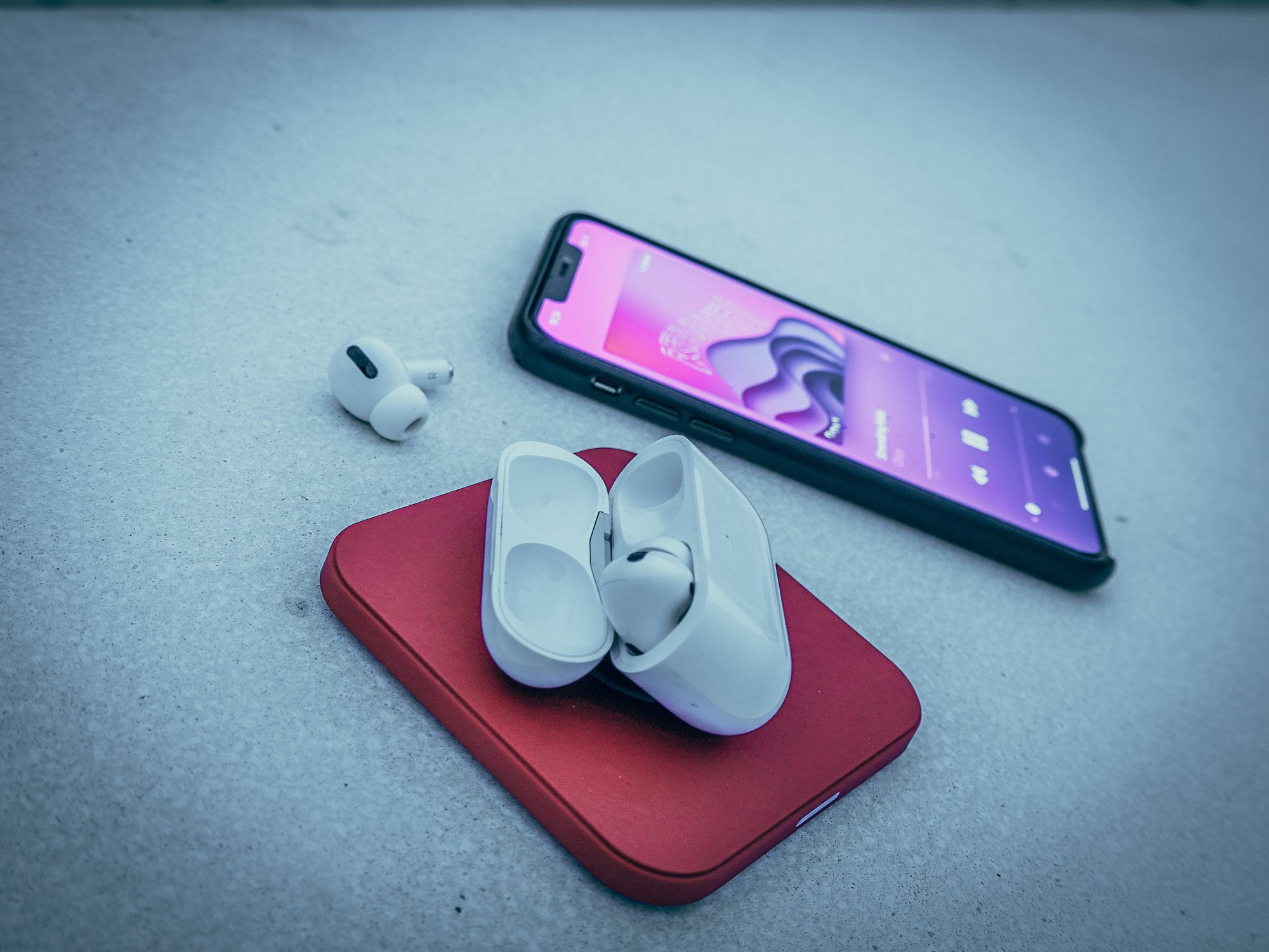 AirPods Pro e iPhone 11 Pro