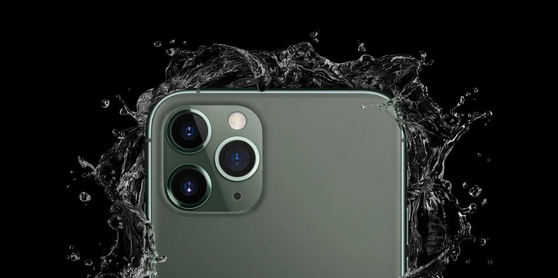 iPhone molhado com água