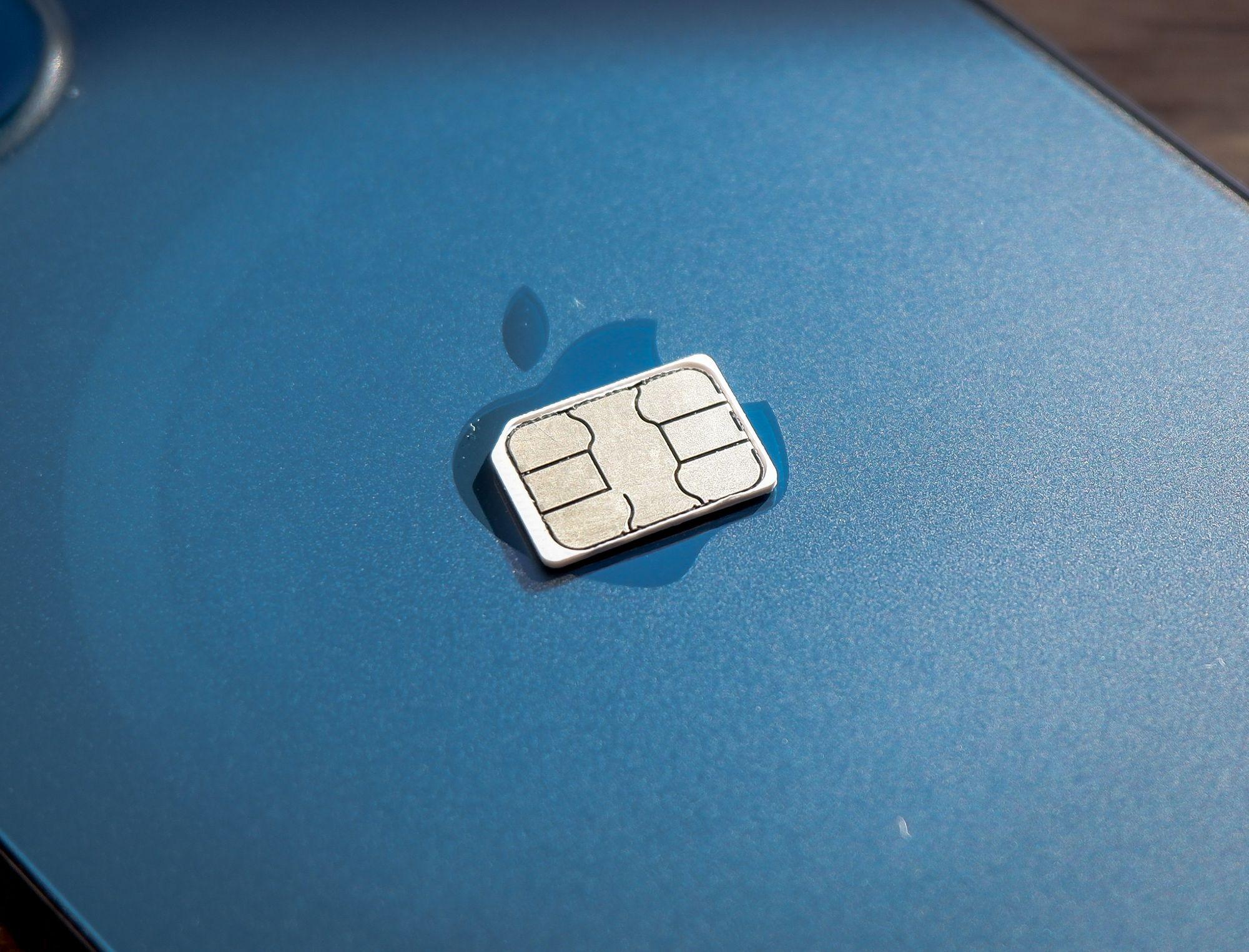 Cartão SIM iPhone com marcas do MagSafe