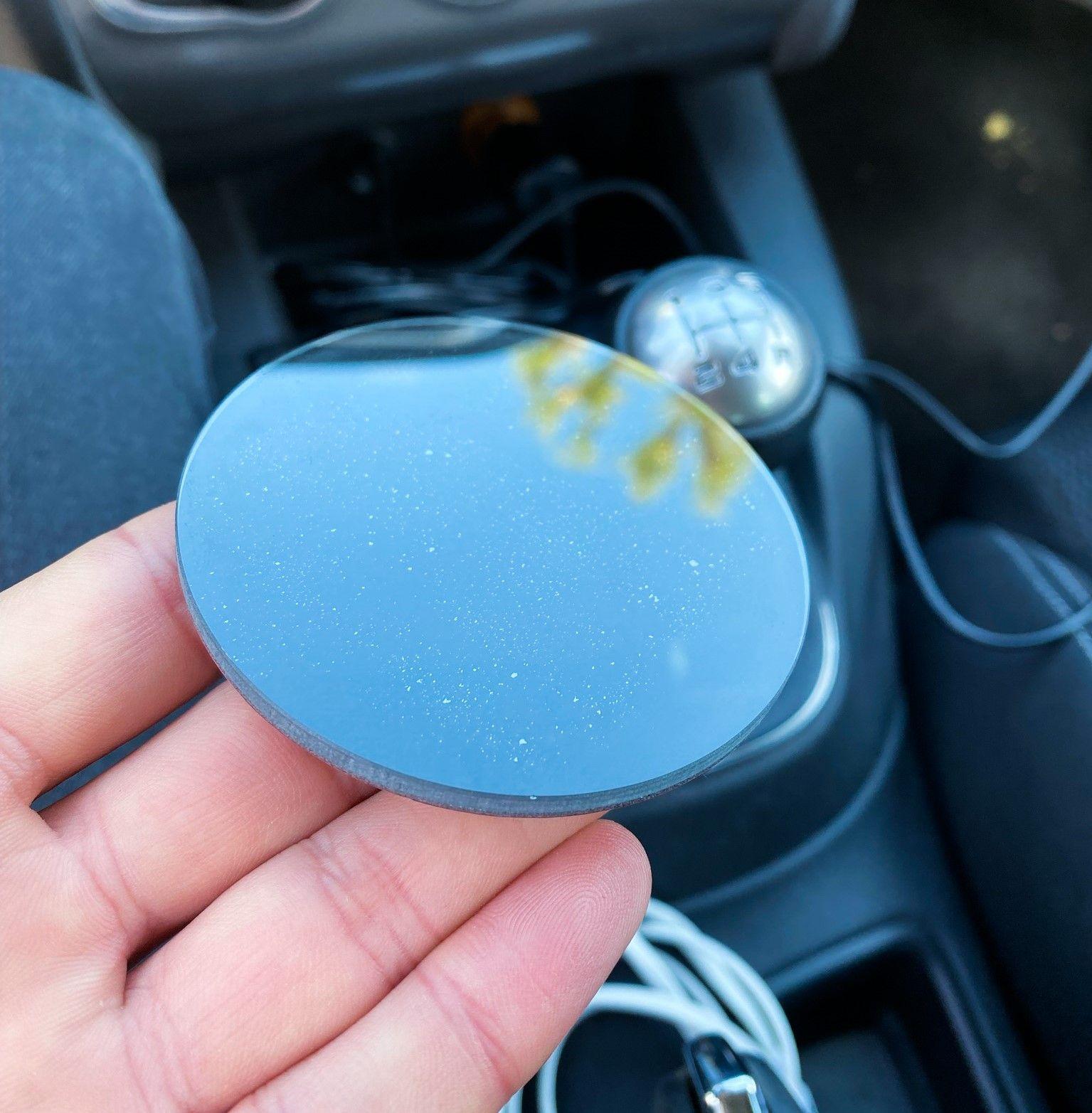 Disco de vidro e esponja para aplicação do Coral Vision CarPlay no tablier